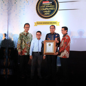 FIFGROUP meraih Top 5 Indonesia Most Admired Companies (IMACO) Award 2019
